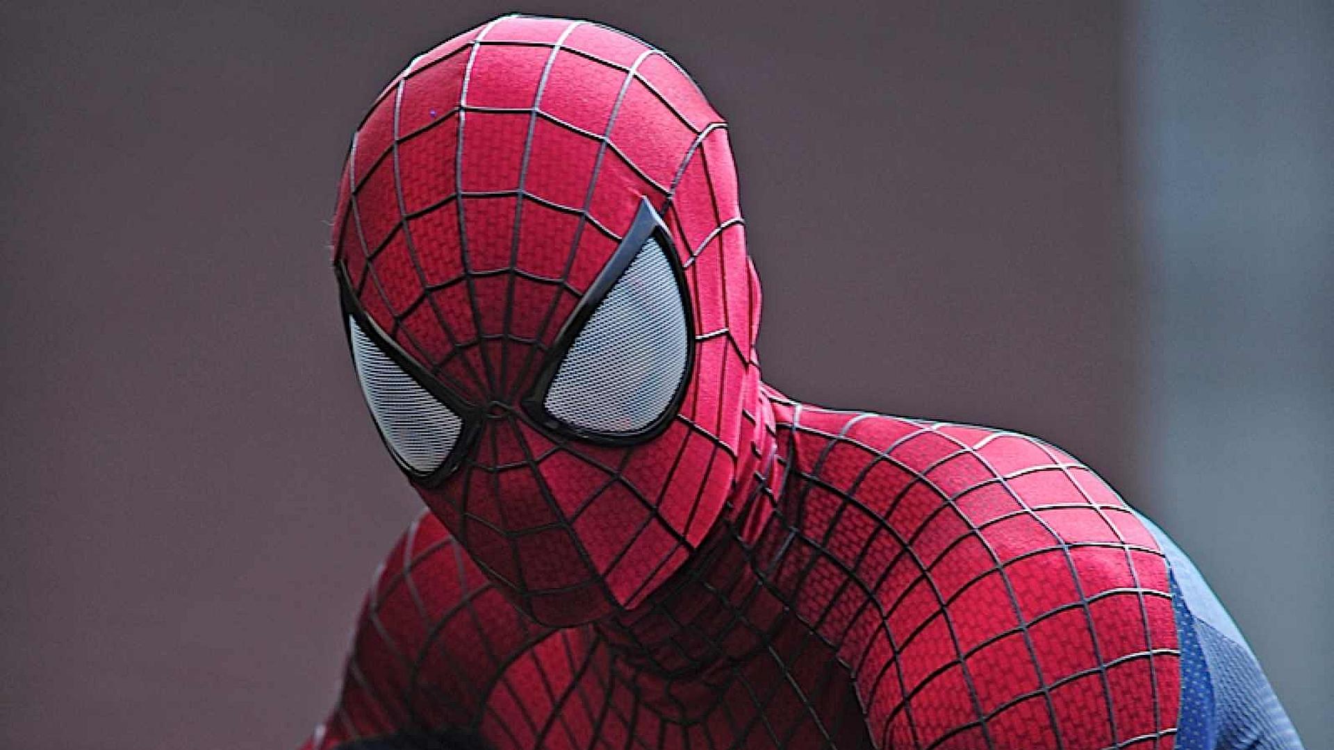Наделайте крутых фоток вновом Spider-Man