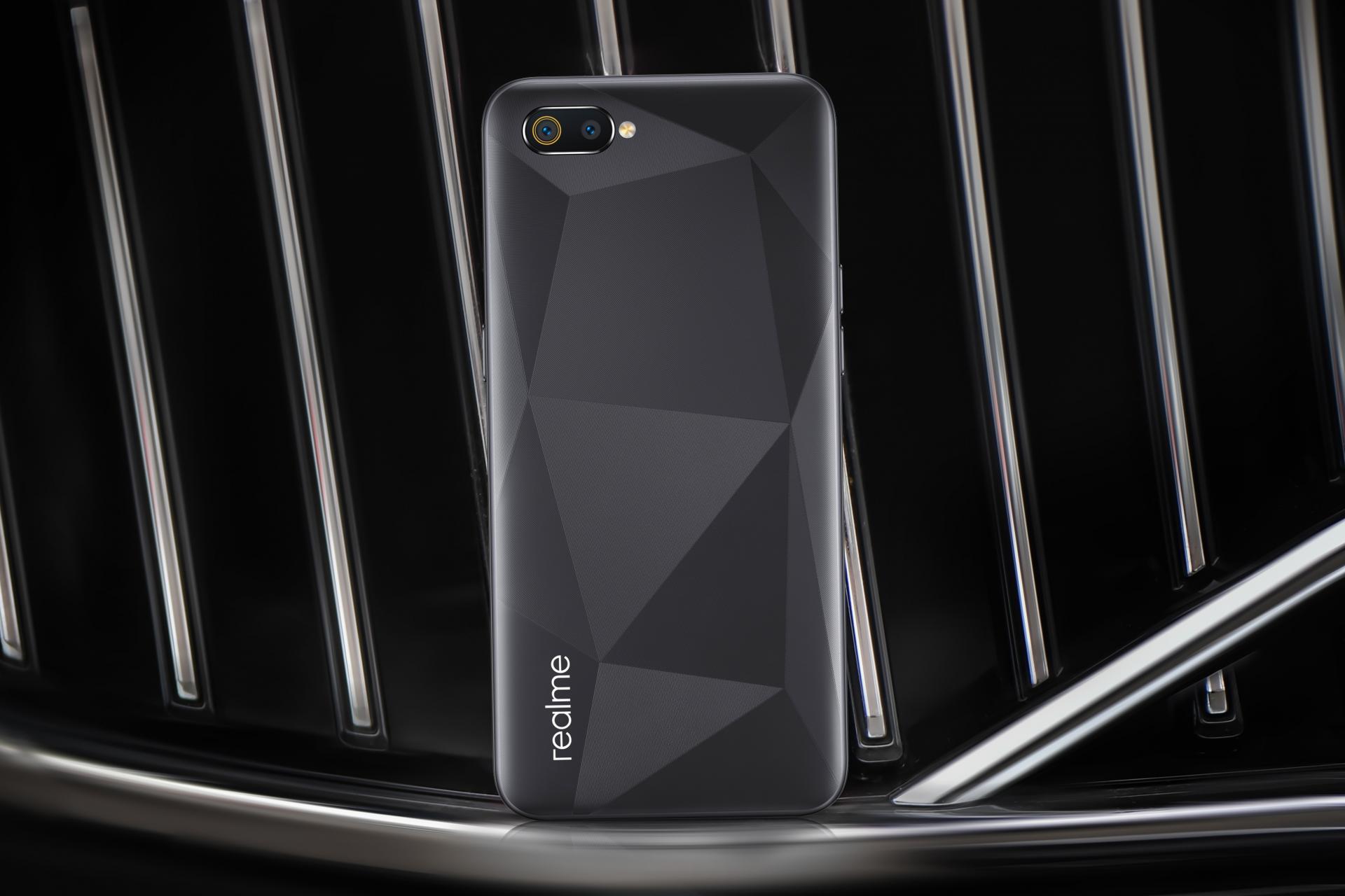 Динамично развивающийся бренд realme представил модели realme 3 Pro, realme 3 иC2 для российского рынка ссущественной выгодой