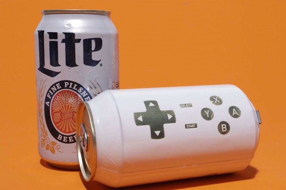 Пивная банка сконтроллером — пейте пиво иодновременно проходите игры